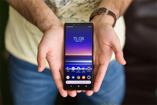 Sony bán điện thoại cả quý bằng Huawei xuất xưởng một ngày - ảnh 1