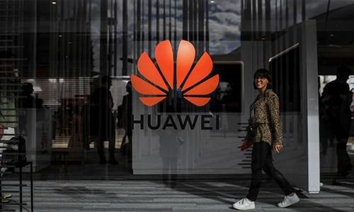 Huawei sẽ có thêm thời gian hợp tác với doanh nghiệp Mỹ. Ảnh: AFP.