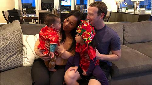 Gia đình Mark Zuckerberg vàPriscilla Chan. Ảnh: CNN.