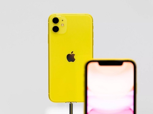 iPhone 11. Ảnh: Cnet.