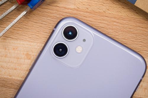 iPhone 12 có thể trang bị camera kép, giá phải chăng. Ảnh: Phonearena.