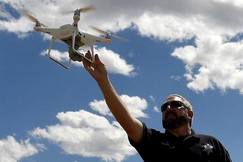 Các nhà khoa học và nhân viên của Bộ Nội vụ Mỹ đã sử dụng drone dân dụng Trung Quốc trong nhiều năm. Ảnh: FT.
