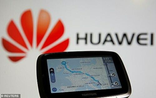 TomTom sẽ cung cấp dữ liệu bản đồ cho Huawei. Ảnh: Reuters