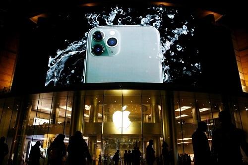 Apple sắp sản xuất hàng loạt iPhone giá rẻ - ảnh 1