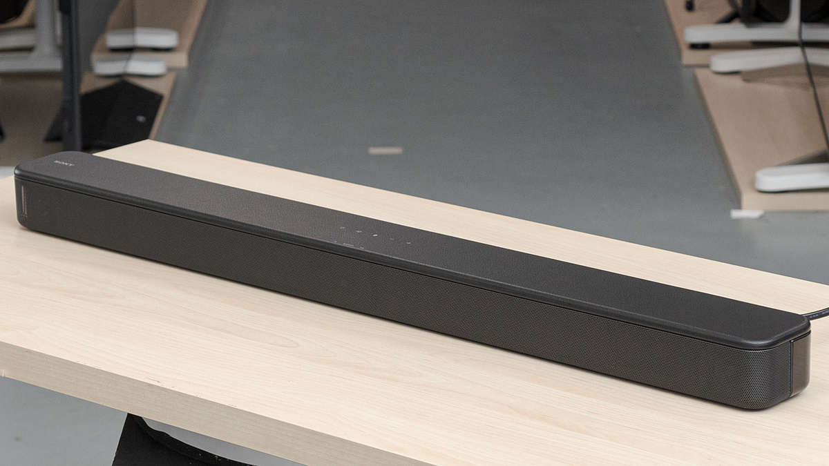 Sony HT-S100F. Ảnh: Rtings