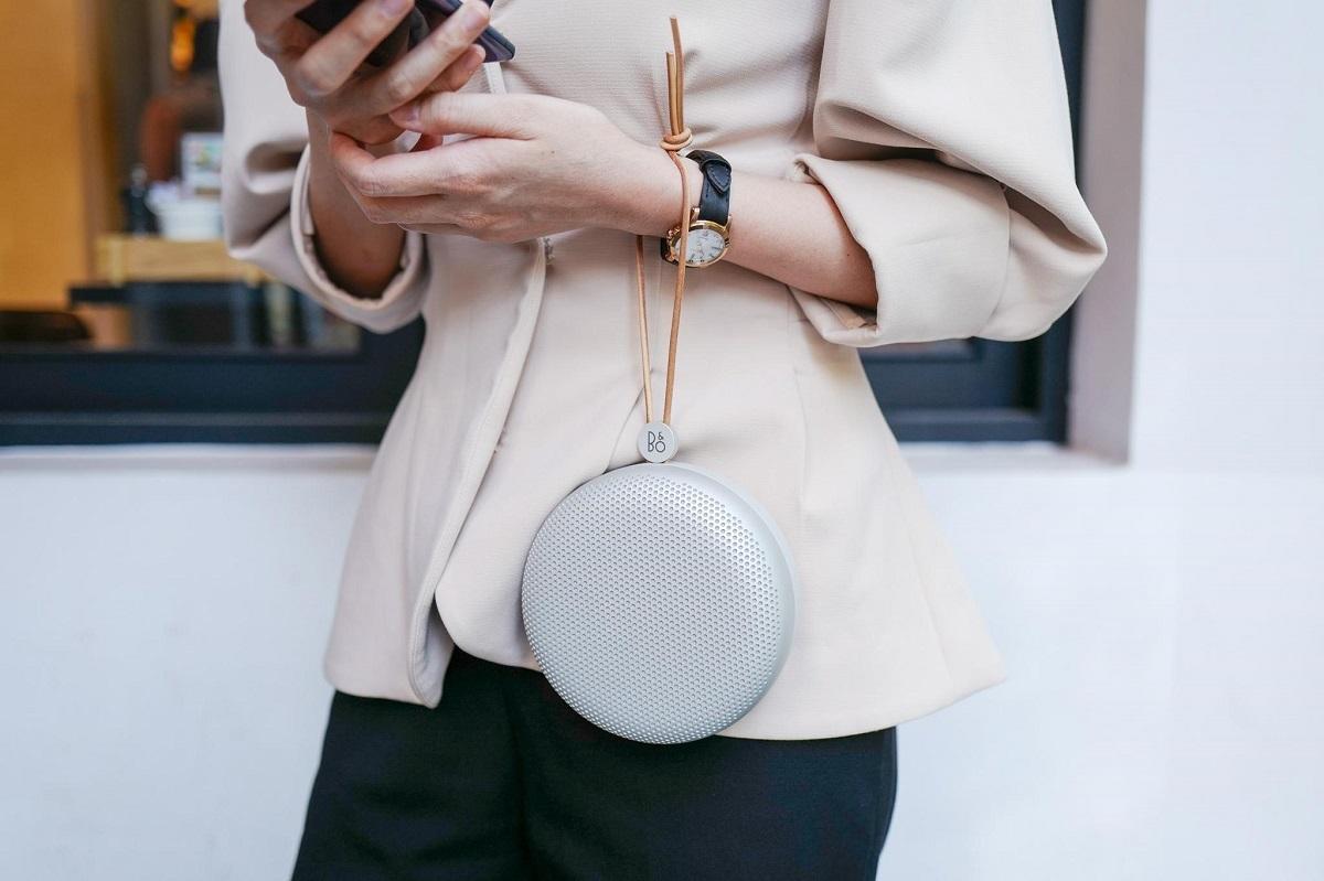 Sản phẩm có thiết kế như một món phụ kiện thời trang cho người dùng.
