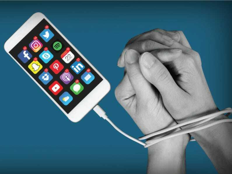 Thời gian sử dụng smartphone tăng vọt - ảnh 1