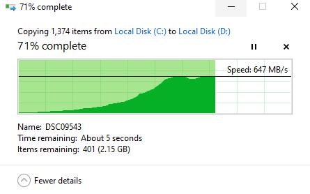 Tốc độ ghi dữ liệu ổn định ở mức hơn 600MB một giây.