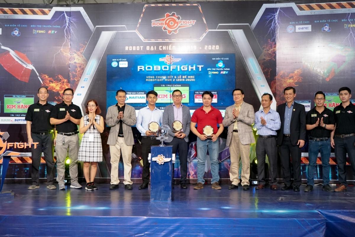 Giải đấu do Hội Doanh Nghiệp Cơ Khí - Điện TP HCM (HAMEE), phối hợp cùng Công ty CP Giải trí Kỹ thuật Enotech tổ chức, với sự tham gia của các trường cao đẳng, đại học và các doanh nghiệp ngành cơ khí - điện và tự động hóa.