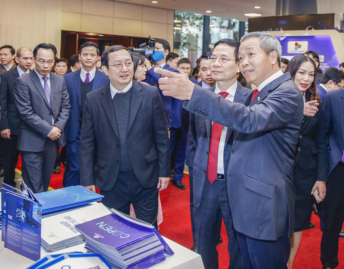 Chủ tịch HĐQT CMC Nguyễn Trung Chính giới thiệu về giải pháp CMDD tại sự kiện